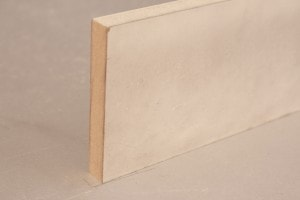 Plinthe médium ( MDF) prépeint blanc bord droit 15 x 100 mm - vue 1
