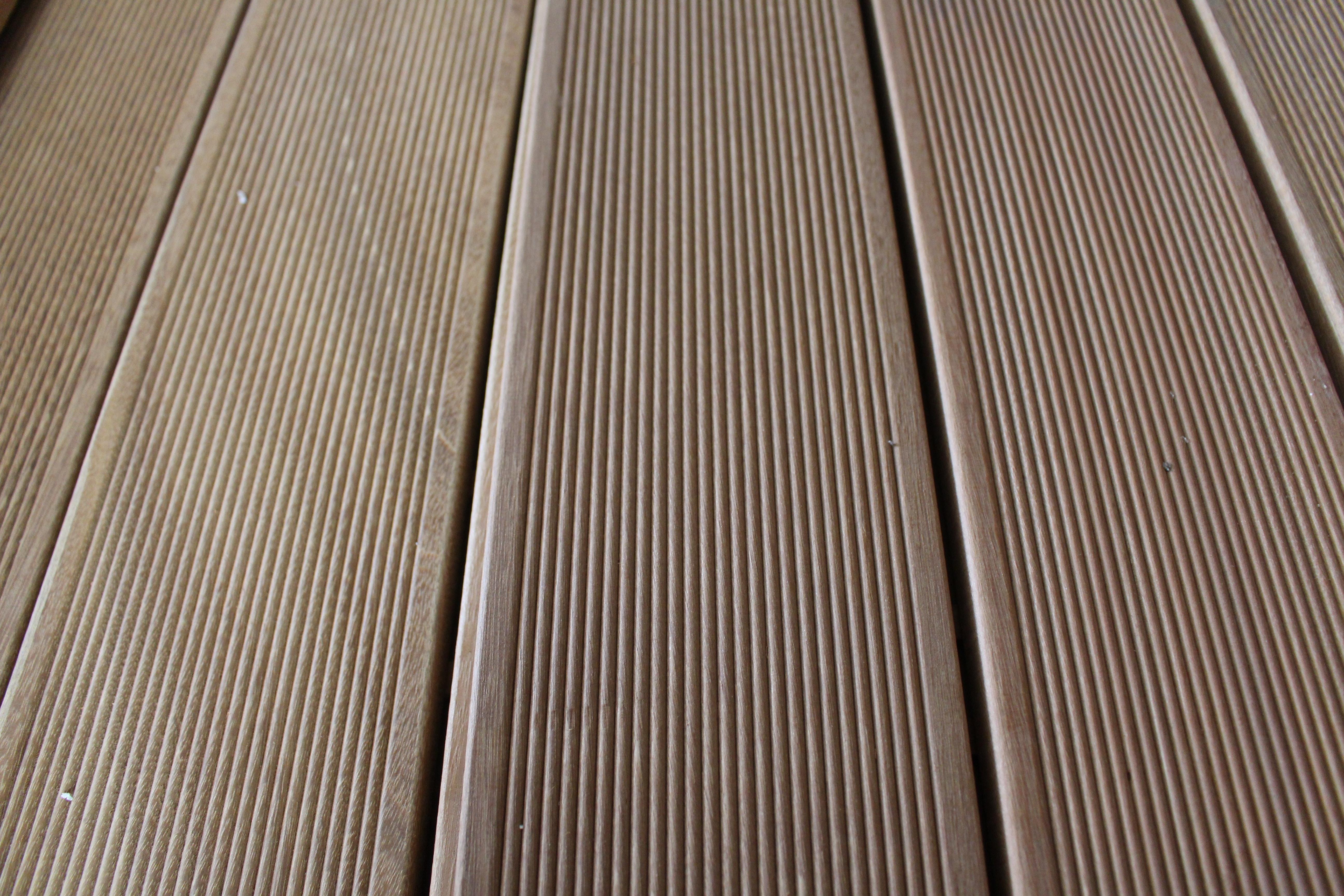 Promotion terrasse en bois exotique bankirai  vue 2