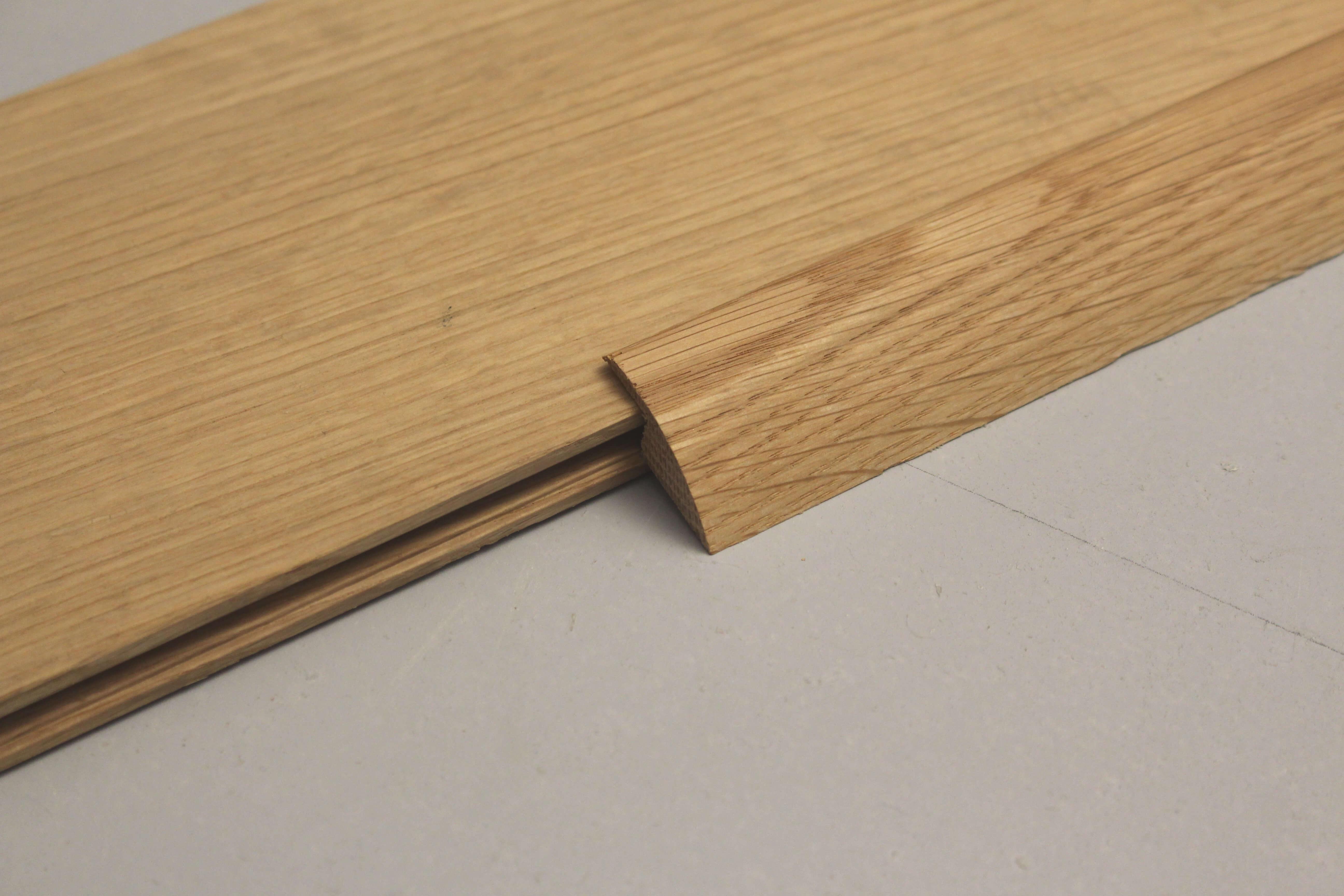 Barre de seuil u00e0 recouvrement chu00eane massif pour parquet de 10 mm