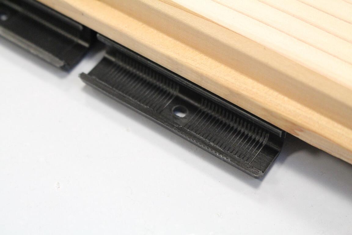 Bardage-clipsable-cedre-details-1-300x200 Bardage en cèdre massif clipsable