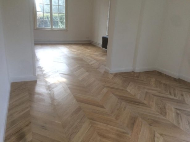 Beautiful Parquet point de hongrie - Chene massif - 18 x 90 mm GG52