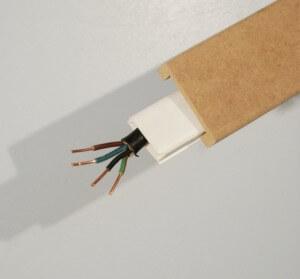 baguette pour fil electrique astuces gniales pour cacher les fils lectriques qui tranent. Black Bedroom Furniture Sets. Home Design Ideas