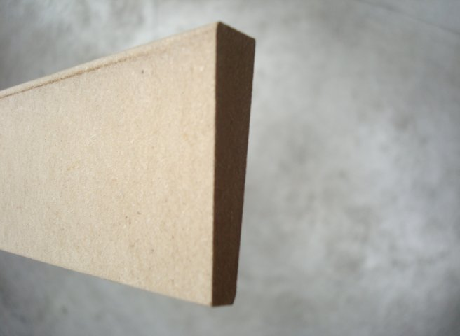 Chambranle contemporain en mdf 6 x 33 mm