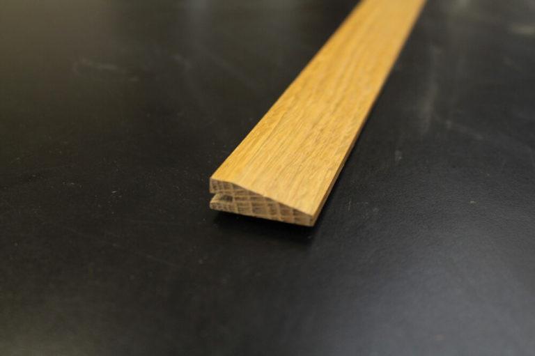 Barre de seuil suisse 10 x 35 mm vernie