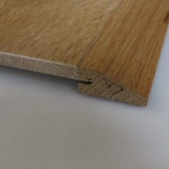 Barre de seuil suisse en chêne massif pour parquets de 15 mm