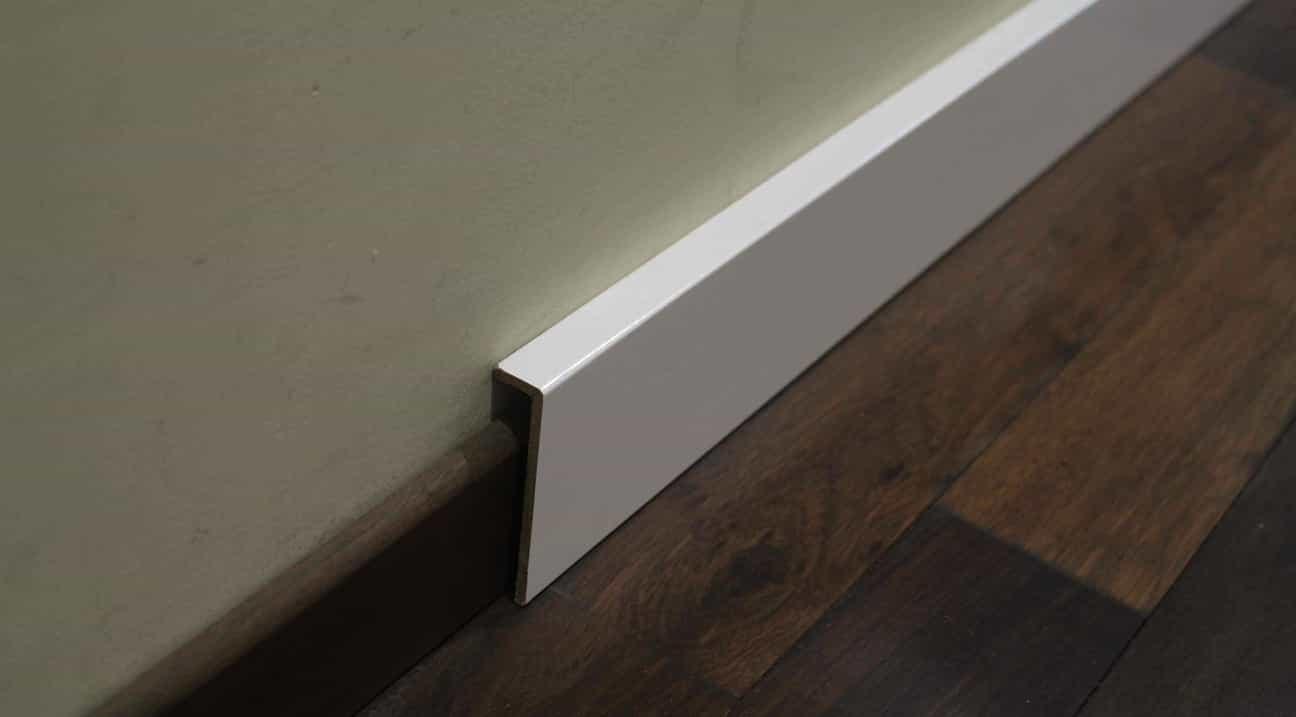 quart de rond blanc elegant profils blanc super styrne demi rond plein longueur m with quart de. Black Bedroom Furniture Sets. Home Design Ideas