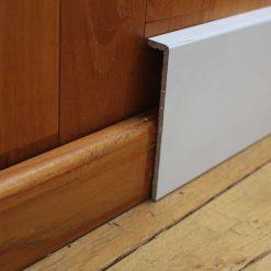 Surplinthe blanche de rénovation 20 x 119 mm