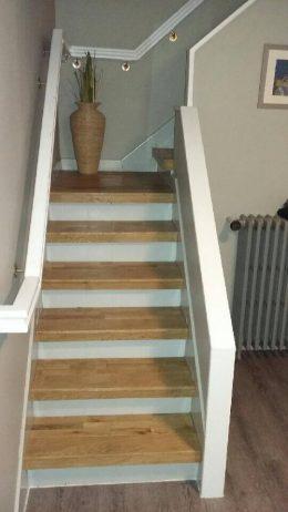 Marche d'escaliers en parquet chene massif Sable
