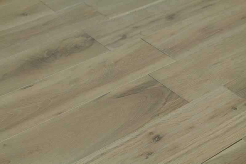 parquet ch ne clair clipsable en bois massif salin 18x150 mm. Black Bedroom Furniture Sets. Home Design Ideas