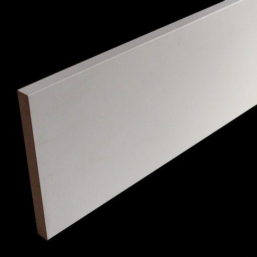 plinthe 16 x 150décor blanc bord carré