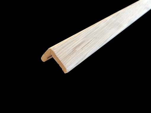 baguette d'angle placage chene 27 x 27 mm
