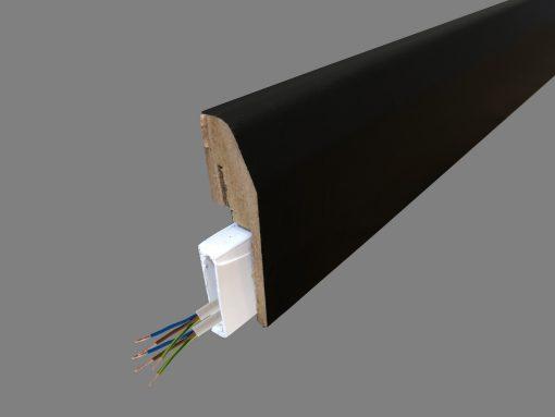 plinthe électrique noire