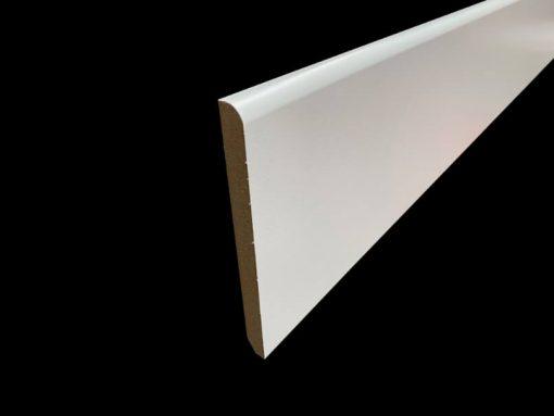 plinthe blanche grande hauteur